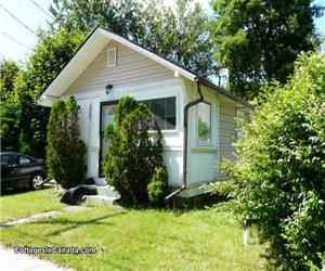 Propre, moderne , Plein Commodités / linge , cour, BBQ incl --- Crystal Beach Cottage Location