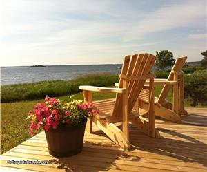 ** Waterfront Shediac; Bridge Cottage **