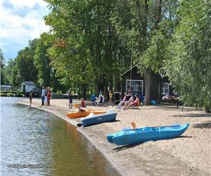 Beachfront Golden Lake. Beautiful,Safe,sandy beach.Waterslides,paddleboats,kayaks,canoes