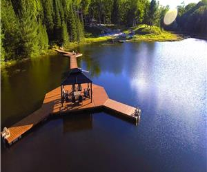 Footprints Resort - Luxury Rooms - Cabins - Camping - Private Lake -  Adults only 21+