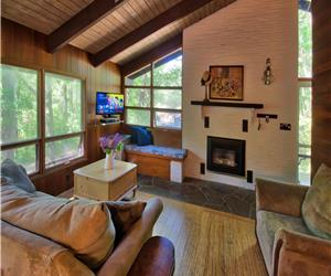 Grand Bend Cottage - Pinery Tree House: You will love it here!