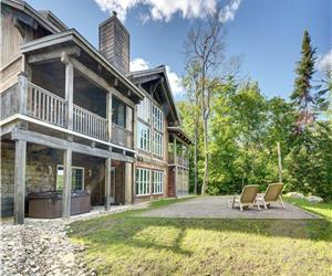 8 Bedroom Waterfront chalet in Mont Tremblant