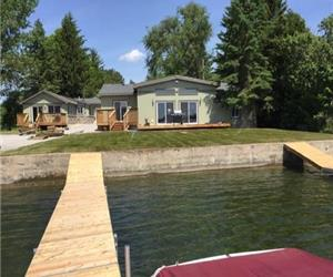 Beautiful all year round Cottages on West Lake in Pristine Prince Edward County Wine Country