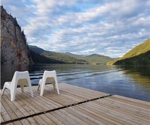 The Lake House - Summer & Winter Multifamily Getaway: Swim, Ski, Bike, Fish...Relax & Connect