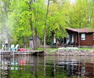 Lanark Lake House on Mississippi Lake  - Four Season Retreat less than an hour from Ottawa!