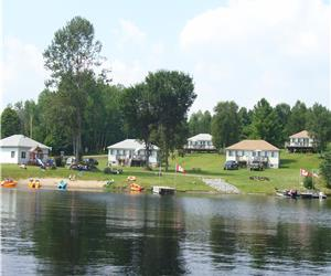 MISTY MORNING COTTAGES-CENTENNIAL LAKE  Perfect for family reunions 2 and 3 bedrooms fully equipped