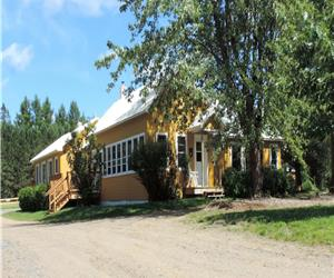 12 Person Chalet on a Large Estate with a Private Lake (Lac Labbe)  Quality at a great price!