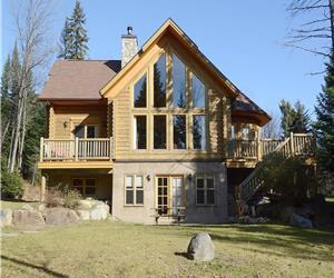 Log Cabin Chalet