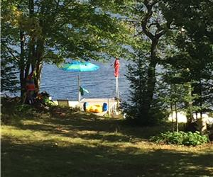Newly Renovated Family Cottage - 2 Acres - 200 Feet Waterfront - Near Muskoka, Algonquin WEEKLY ONLY