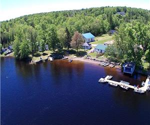 Beachwood Hollow Resort - Gorgeous Sunrise, Sandy Beach, Boat Rentals & 1 to 3 bedroom cottages