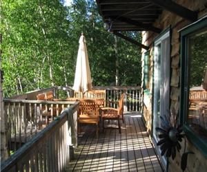 Minutes from Huntsville, Muskoka! Clear Lake, Sandy Beach, Sunsets, Western Exposure, Sleeps 6!