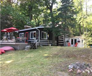 Silver Moon Cottage, Shadow Lake  SPECIAL RATE FOR MONTH OF JUNE