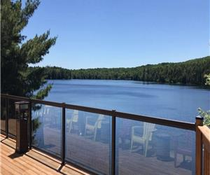 Stunning 5-Star Serene Private Lakefront Cottage (Sleeps Up To 10) Located North of Bancroft