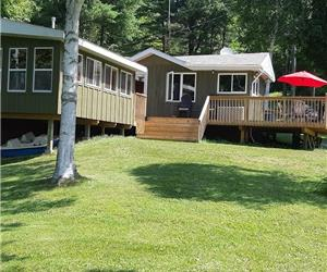 Rideau Lakes Cottage on a Peaceful Serene Bay on Whitefish Lake with Hot Tub