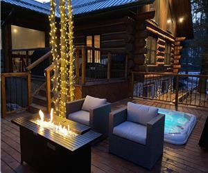 The Gordon's River Cabin-Custom Log Home