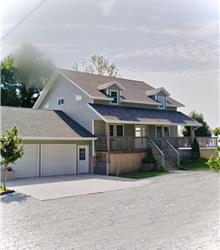 Stunning Lake View Cottage- September $ 3000 Weekly. Fall$2700 Weekly Daily $450-$600