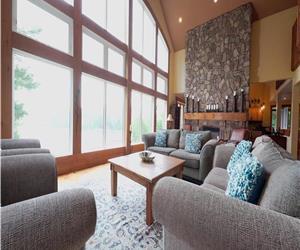 Magnifique 5000 pieds carrés privé personnalisé, plus de 300 pieds de rivage sur le lac Shadow
