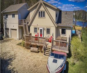 Almaguin Waterfront Cottage **POOL **HOT TUB