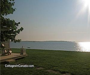 ~ CAPE COTTAGE on Shediac Bay, PRIVATE waterfront beach ~