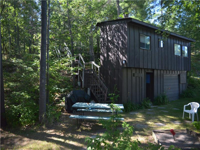 Cool The Treehouse On Kosh Peterborough Cottage Rental Di Beutiful Home Inspiration Cosmmahrainfo