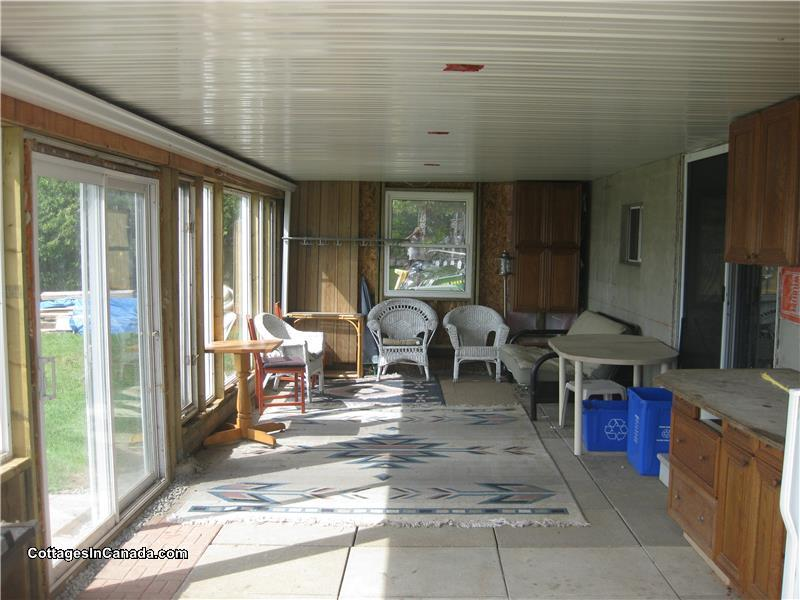 Canal Lake II Cottage Retreat - Bolsover Cottage Rental | GL-13690