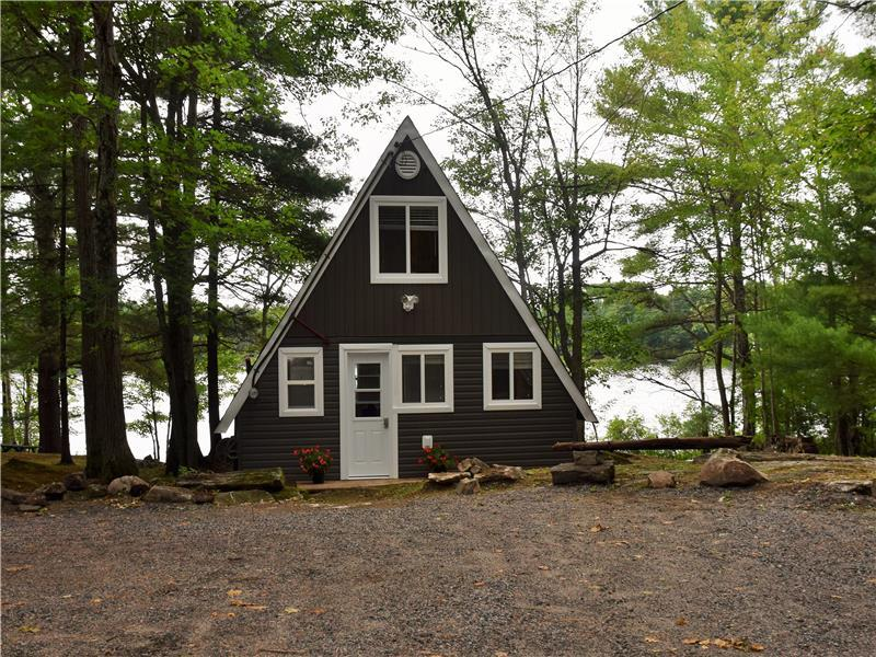 Amazing Beautiful Loon Lake Lakefront Gravenhurst Cottage Rental Download Free Architecture Designs Scobabritishbridgeorg
